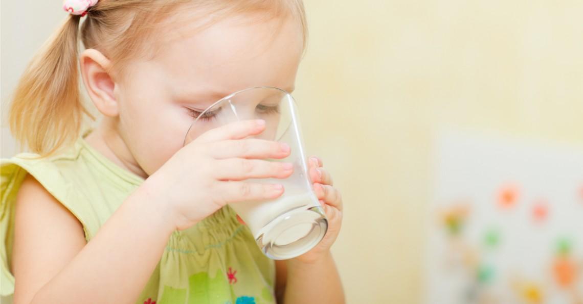 ミルク ませ 方 フォロー 飲 アップ